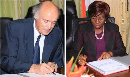 M. Jean-Paul de Gaudemar, recteur de l'AUF, et Mme Kandia Camara, Ministre de l'Education Nationale de Côte d'Ivoire.